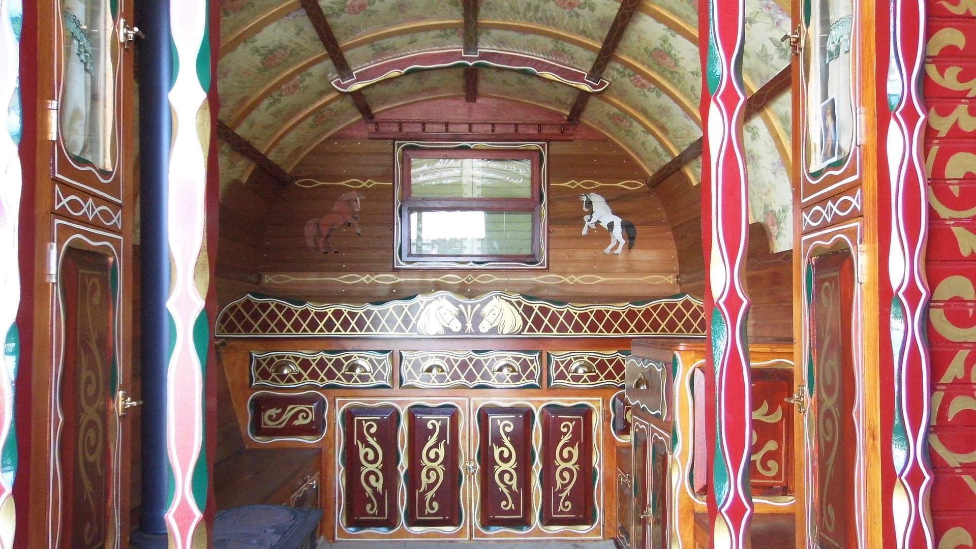 Gypsy ~ Vardo Interior