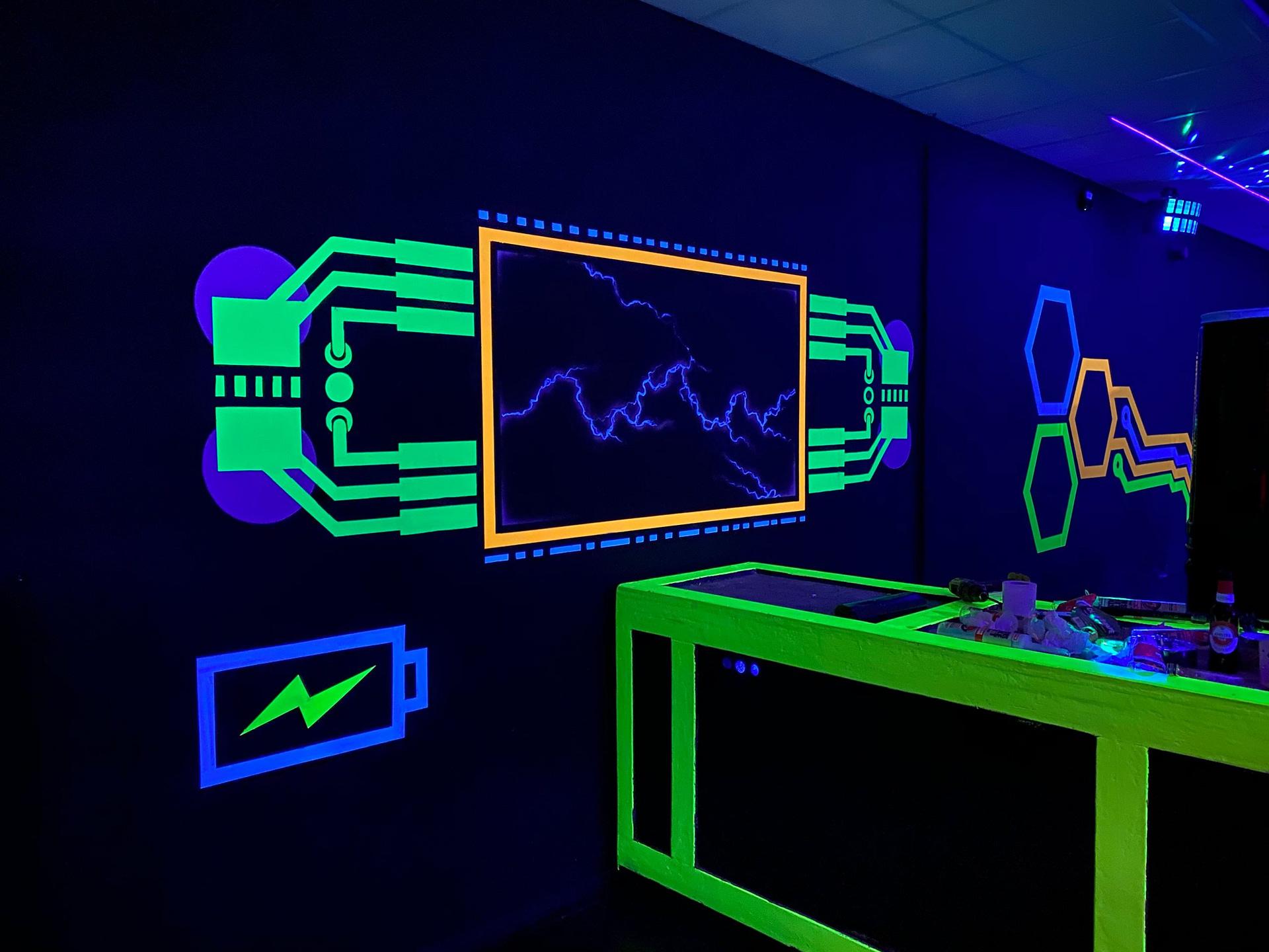 War Room Neon Arena