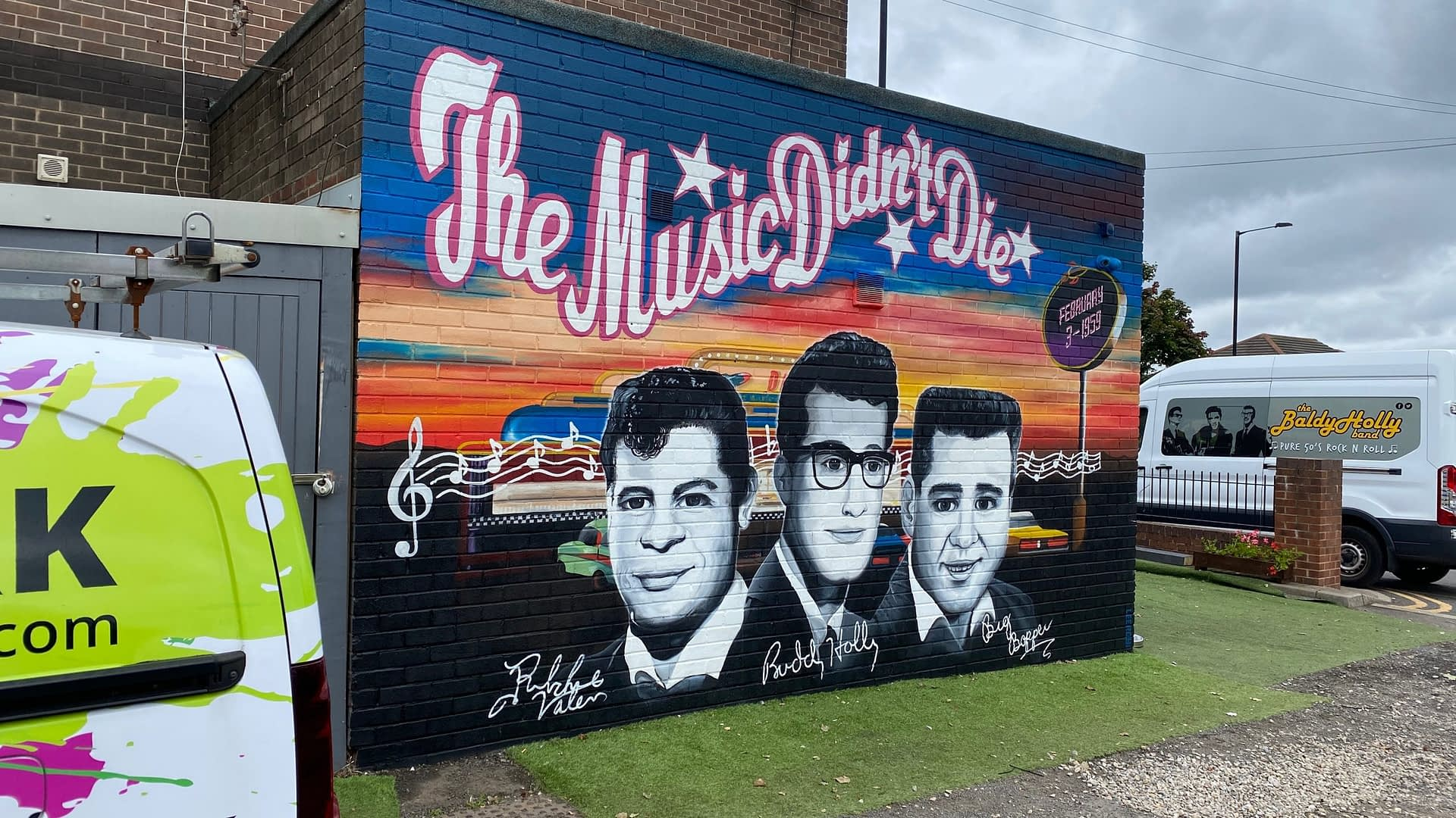 The Music Didn't Die Mural