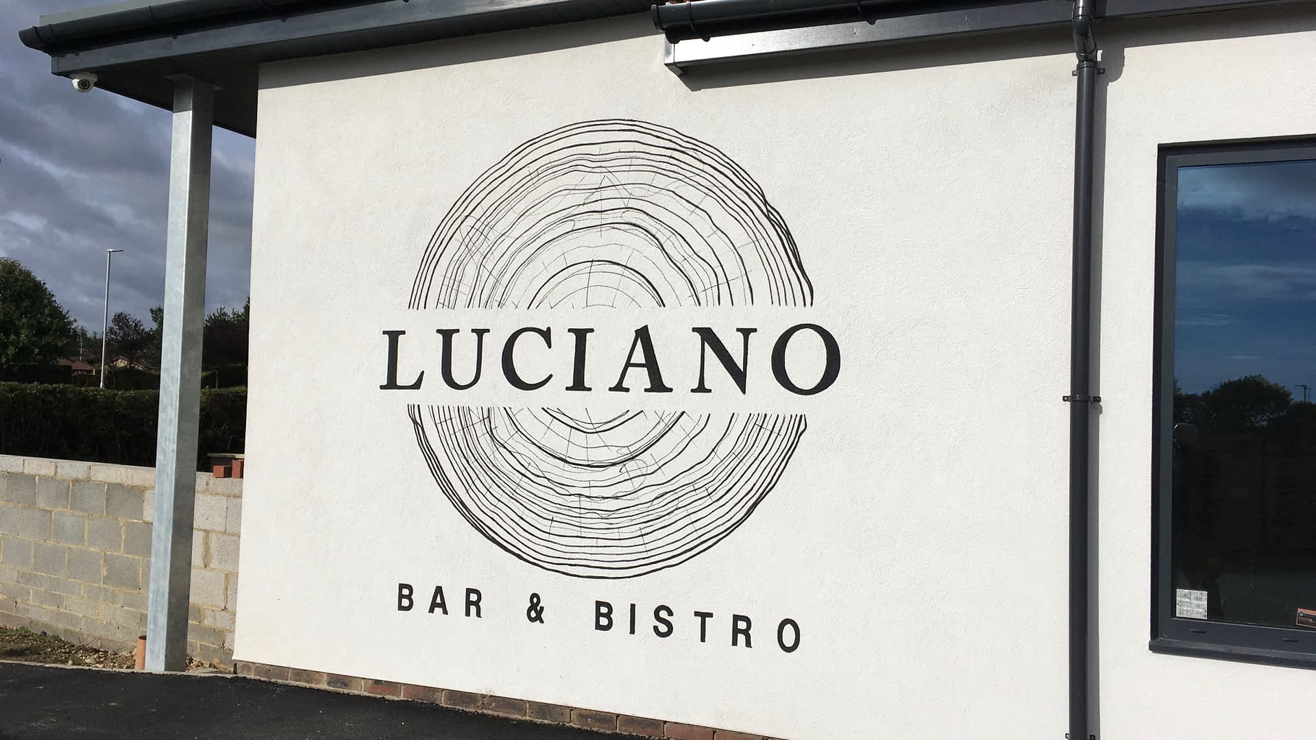 Luciano Bar and bistro